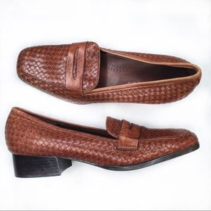 Trotters Woven Leather Polly Loafers 9 EUC